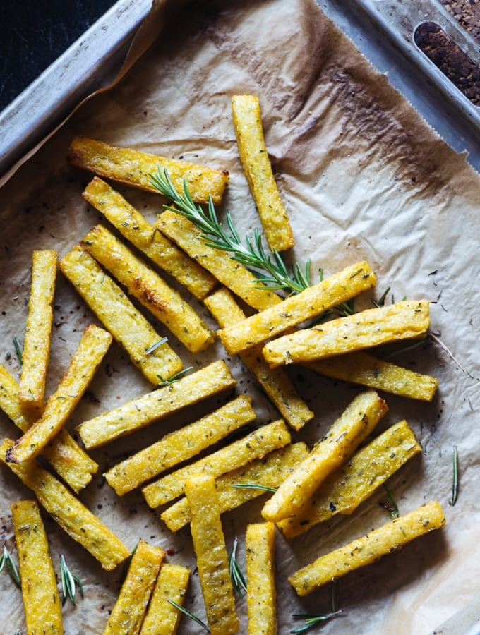 Polenta Fries – Knusprig gebackene Polenta Pommes aus dem Ofen