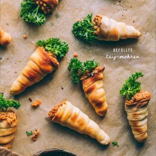 Würzig gefüllte Teig-Möhren – Fingerfood fürs Osterbuffet